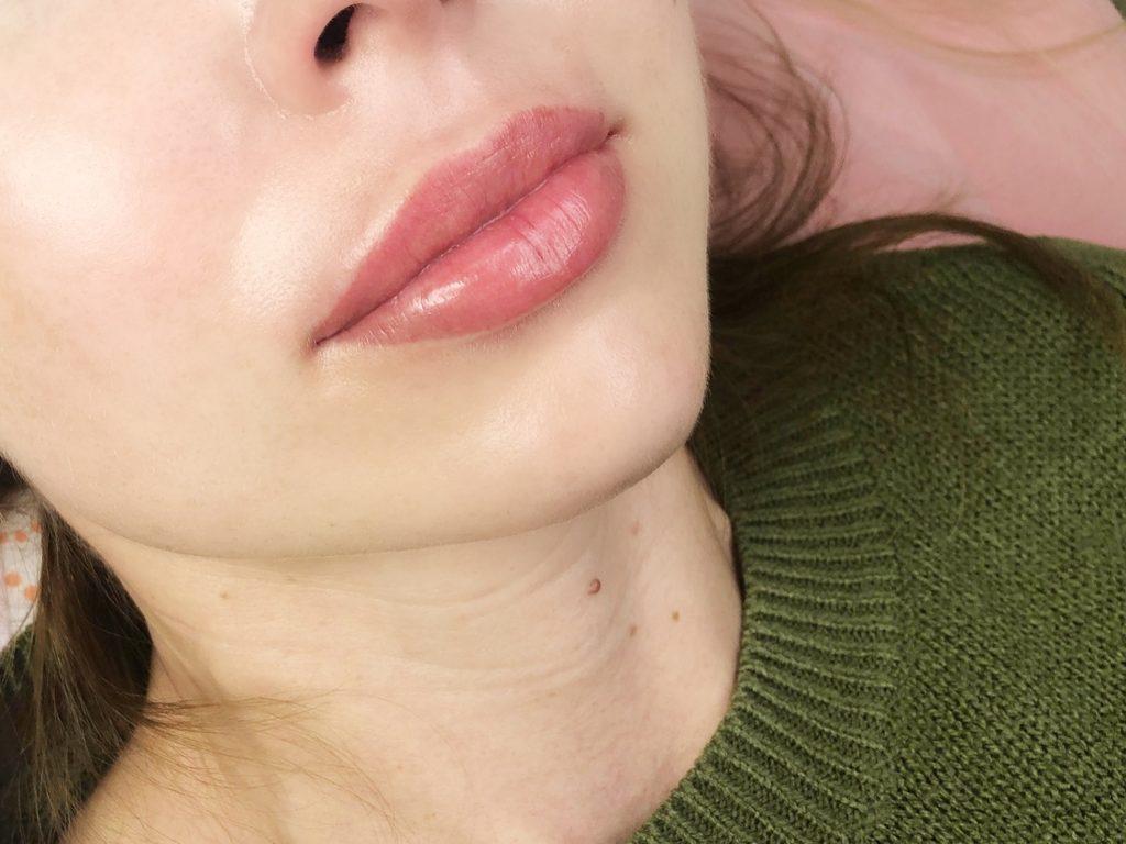 Перманентный макияж губ в акварельной технике